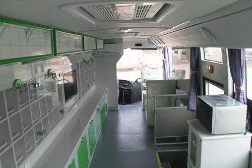 宇通流动电信展示车 以服务占领市场竞争制高点